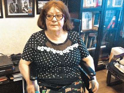 Дегтярева прикована к инвалидному креслу