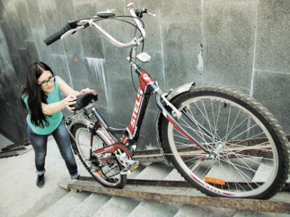 Быть велосипедистом в Москве нелегко в буквальном смысле слова