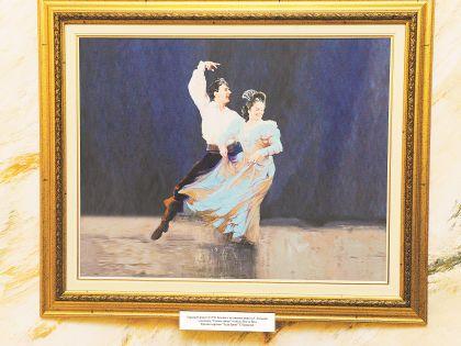 Учителем танцев был...