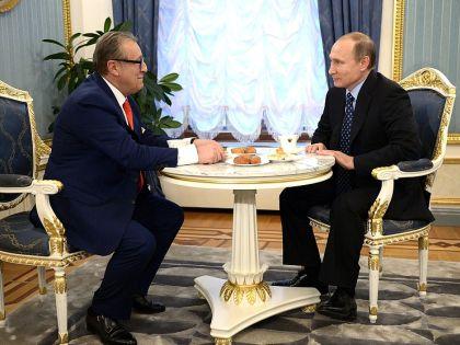 Хазанов и Путин попили чай с пирожками