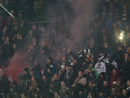 Фанаты «Торпедо» устроили драку с болельщиками «Арсенала»