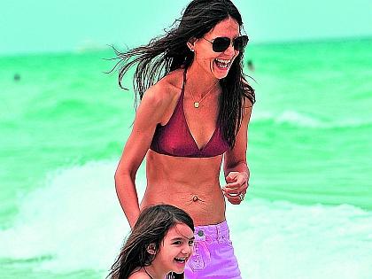 Кэти Холмс с дочерью