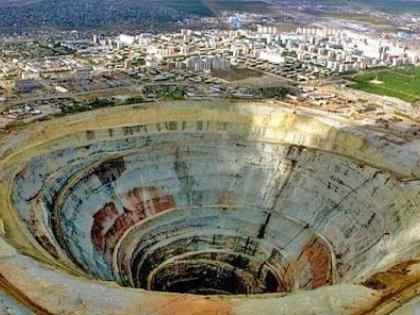 4 августа на руднике в Мирном, принадлежащем «Алросе», произошел прорыв воды