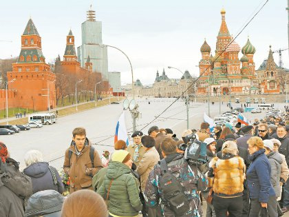 Поначалу «мемориал» интересовал многих, сейчас же лишь туристов и «Гормост»