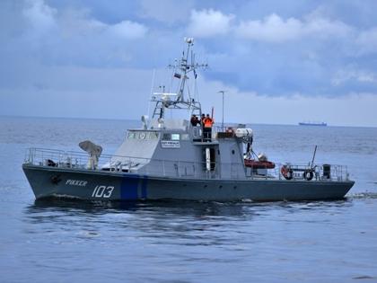 Военные заметили судно-нарушитель у берегов Камчатки