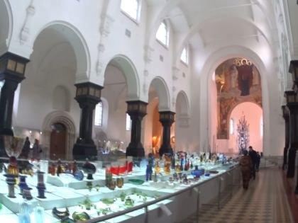 Музей хрусталя в интерьерах Георгиевского собора