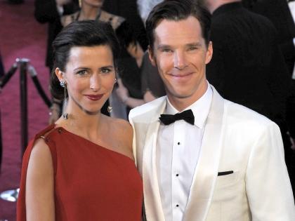 """Бенедикт Камбербэтч пришел на """"Оскар"""" вместе со своей женой Софи Хантер, они обручились 14 февраля"""