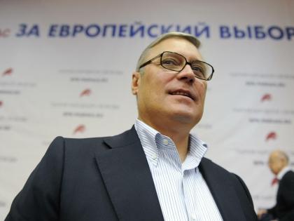 Михаил Касьянов считает, что Украине необходимо поставить вооружение