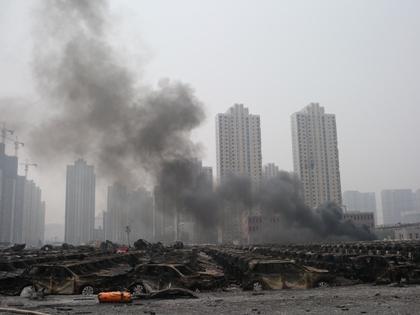 Новый взрыв в Тяньцзине был небольшим, однако с места ЧП пришлось эвакуировать команду ликвидаторов