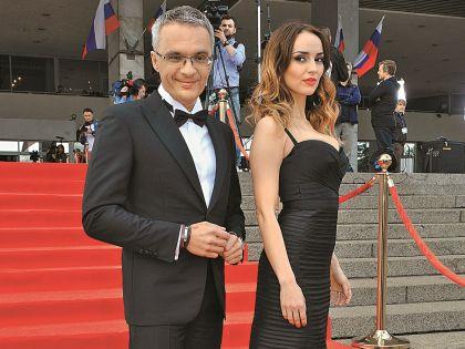 На церемонии награждения «ТЭФИ» с телеведущим Романом Будниковым