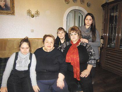 Надежда и ее дочки в гостях у актрисы