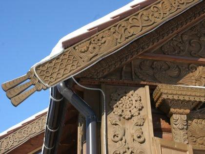 Такая красота украшает жилые дома в Суздале