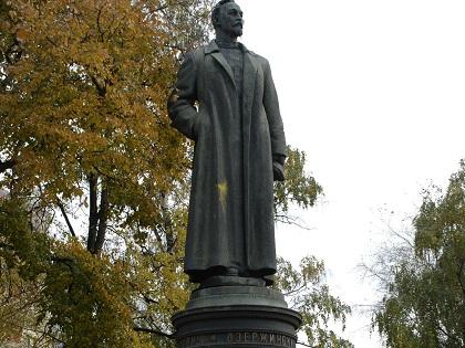 КПРФ предлагает вернуть памятник Дзержинскому на Лубянскую полощадь
