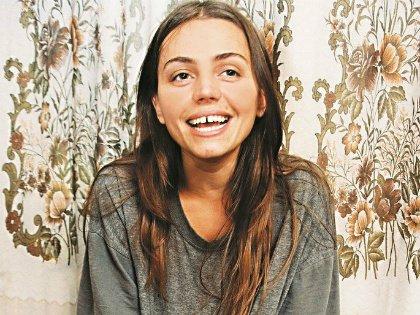 Лена Романова перевезла свою маму из Молдавии в квартиру Романа