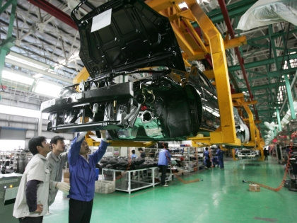 На заводе Lifan