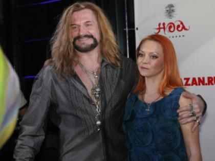 На прошлой неделе Джигурда заявил, что разводится со своей женой фигуристкой Марией Анисиной