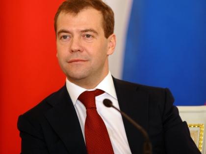Илья Пономарев: Если бы Медведев остался на второй срок, то мы бы начали уходить от нынешнего средневековья