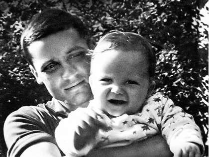 Футболист Владимир Михайлов стал отцом единственного сына кинозвезды