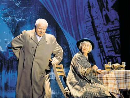 Никоненко и Назарова натурально сыграли мужа и жену в спектакле «Экспресс «Калифорния»