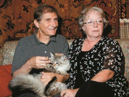Они вместе уже 54 года. Как признается народный артист, никогда не уставали друг от друга, потому что актер часто бывает на гастролях
