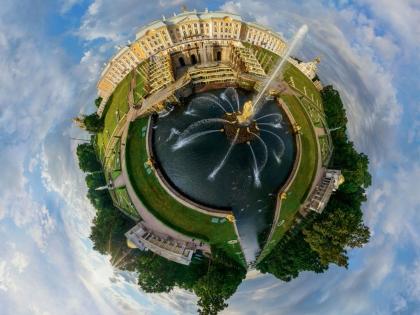 Центральный фонтан Петергофа