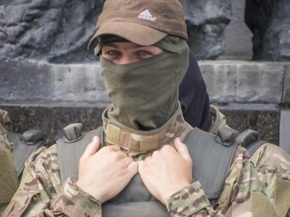 Украинские власти заявляют, что задержанные — бойцы спецподразделения ГРУ