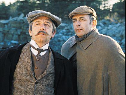 Актер переживал из-за того, что инспектора Лестрейда озвучивал Игорь Ефимов