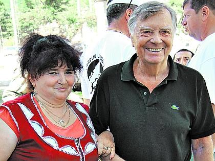 Анатолий Кузнецов и продавец