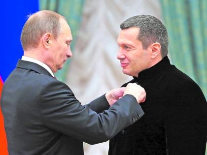 Путинский аналог Гебельса вряд ли сам застрелится,но другого выхода у него не будет