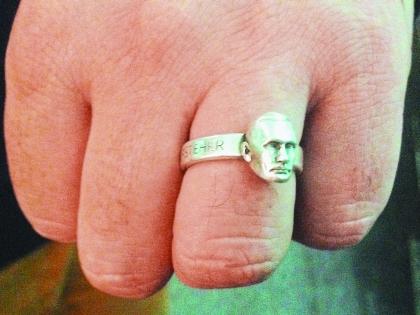 Перстень с ликом Путина Эмира Кустурицы