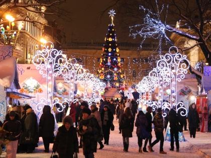 Российская улица в новогоднее время