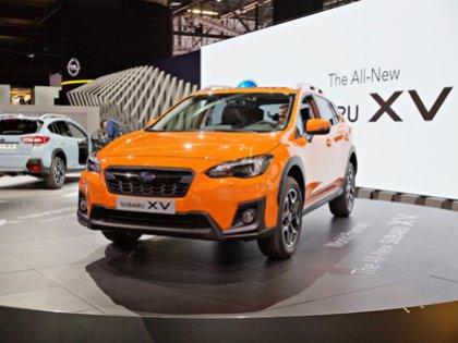 Российским автолюбителям будут доступны сразу два новых цвета кузова Subaru XV — ярко-синий и оранжевый