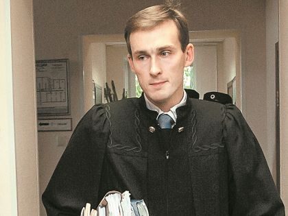 Судья Галаган, выпустивший «птичку» из клетки