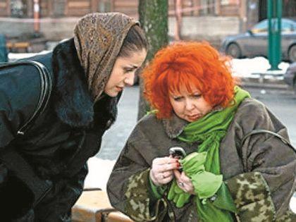 Секретарша Зоя дружит со следователем Швецовой (Анна Ковальчук)