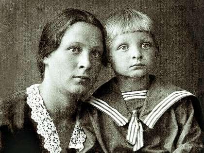 Трудное детство закалило Эдуарда Анатольевича. Он с малых лет познал, что такое человечность