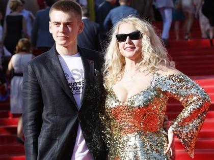 Елена Кондулайнен с сыном Александром