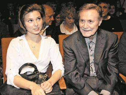 На VI международном кинофестивале «Русское зарубежье» (2013 г.) с внучкой Сашей