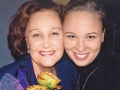 Татьяна Конюхова с внучкой Олей