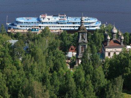 Наибольшей популярностью пользуются круизы по Волге, а также речные туры Москва — Санкт-Петербург с посещением островов Кижи и Валаам