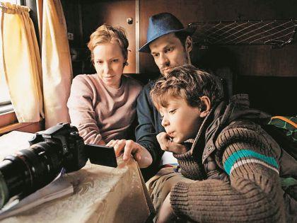 Шалаева сыграла больную раком в фильме «Я буду рядом» и получила за это «Нику»
