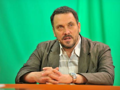 Журналист Максим Шевченко считает неправильным говорить о личной жизни Тихоновой