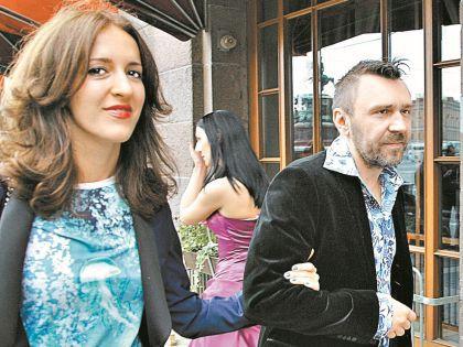 Шнуров с женой Матильдой