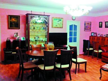 Сейчас Штиль живет в четырехкомнатной квартире второй жены в центре Санкт-Петербурга