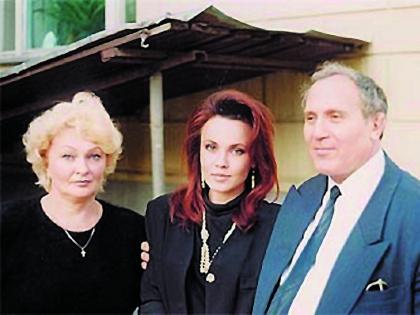 Татьяна Снежина с родителями