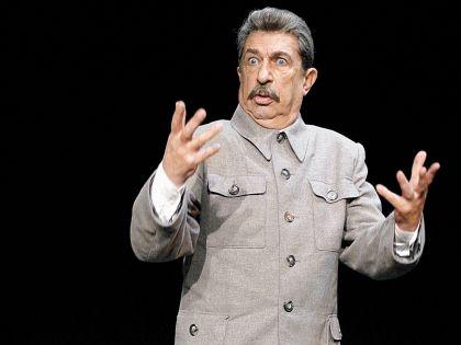 Игорь Кваша в образе Иосифа Сталина
