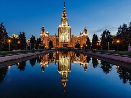 Премьер-министр РФ Дмитрий Медведев 6 января подписал постановление о поддержке ведущих университетов России