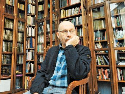 В последнее время писатель задумался о «Счастливой России»