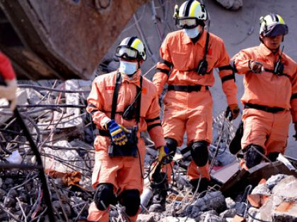 Спасатели ищут порвавших без вести