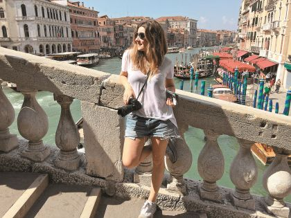 Жанна теперь живет недалеко от Венеции