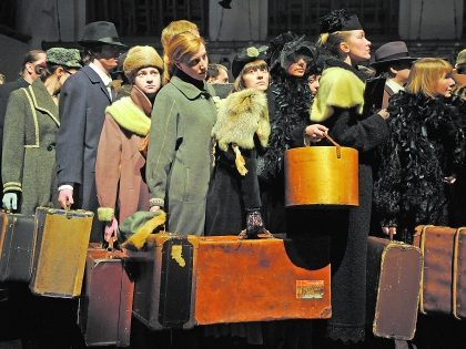 Актеры с чемоданами